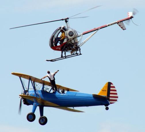 Elicottero E Aereo : Salto da aereo a elicottero finisce in tragedia