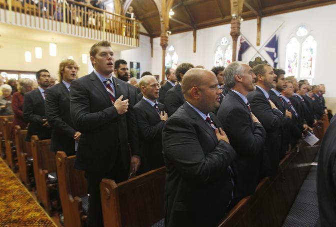 18 ore prima delle celebrazioni a New York (causa fuso orario), l'omaggio alle vittime dell'11 settembre della squadra di rugby statunitense, impegnata in Nuova Zelanda per i mondiali (Ap)