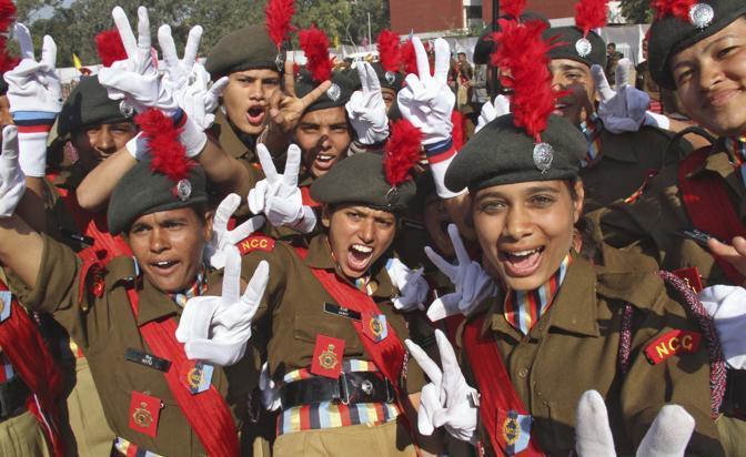 I cadetti in festa alla parata (Reuters)