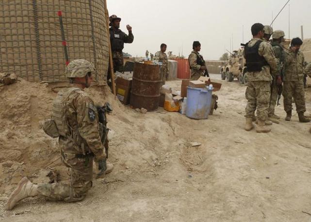 Soldati americani di guardia (Reuters/Ahmad Nadeem)