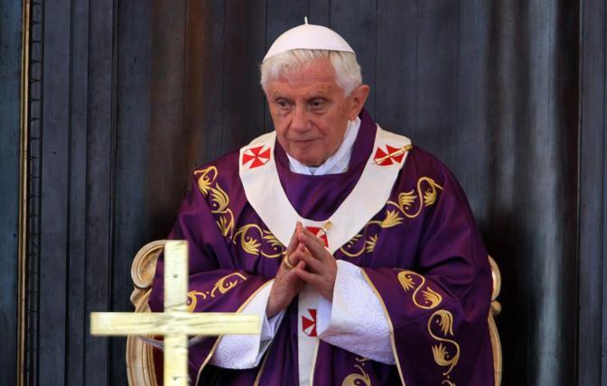 Il Papa durante la celebrazione della messa (Epa/Fernandez)