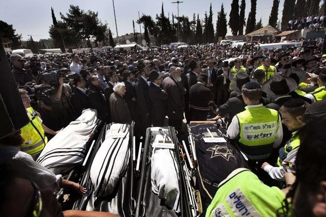 La cerimonia funebre a Gerusalemme (Reuters)