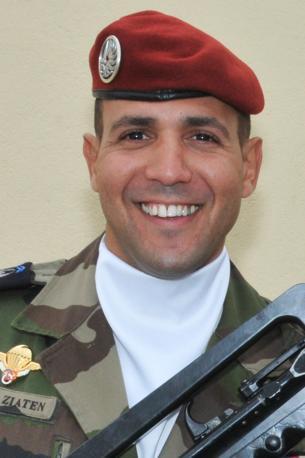 Imad Ibn Ziaten, paracadutista del 17.o reggimento genieri, ucciso domenica 11 marzo a Tolosa (Afp/Ziaten family)