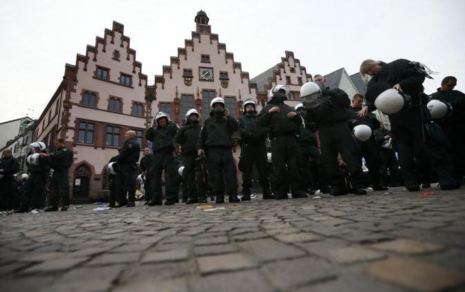 Almeno cinquemila gli agenti schierati per la città (Reuters)