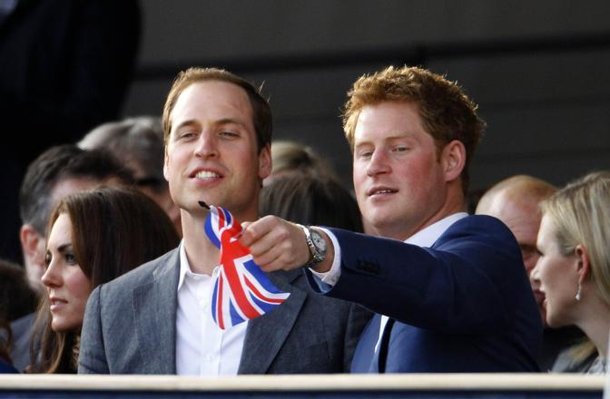 I principi Harry e William al concerto per il Giubileo di Diamante (Reuters)