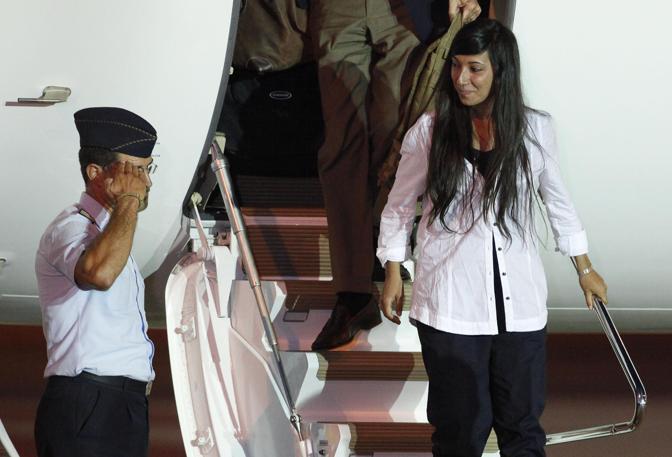 Rosselan Urru, libera, atterra a Ciampino (Ansa/Di Meo)