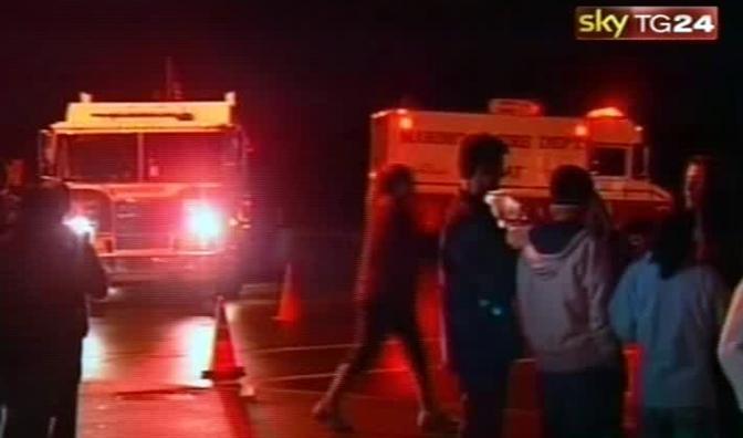 30 novembre 2010 - Wisconsin: un adolescente prende in ostaggio 23 studenti e una insegnante in un liceo di Marinette e poi si uccide (Ansa)
