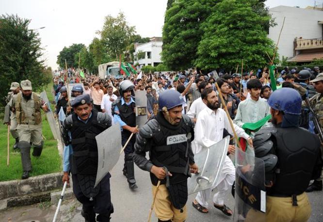 Anche in Pakistan ci sono state manifestazioni di piazza antiamericane (Afp)