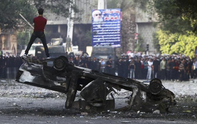 La protesta in piazza Tahrir (Reuters)
