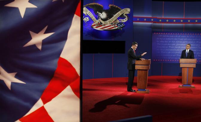 La sfida televisiva è andata in onda a 34 giorni dalle elezioni presidenziali. Obama e Romney si sono affrontati nel primo di tre dibattiti televisivi sulla politica interna, e, in particolare sull?economia (Ap)