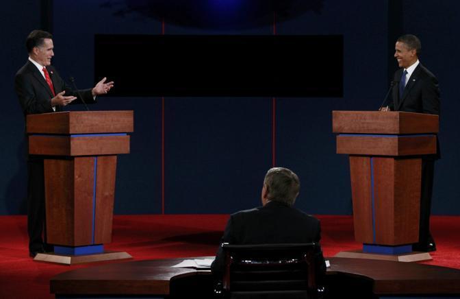 Mitt Romney si è rivolto spesso al suo avversario Barack Obama. Mentre il presidente ha preferito parlare più spesso guardando dritto in camera, praticamente ignorando il suo interlocutore (Reuters)