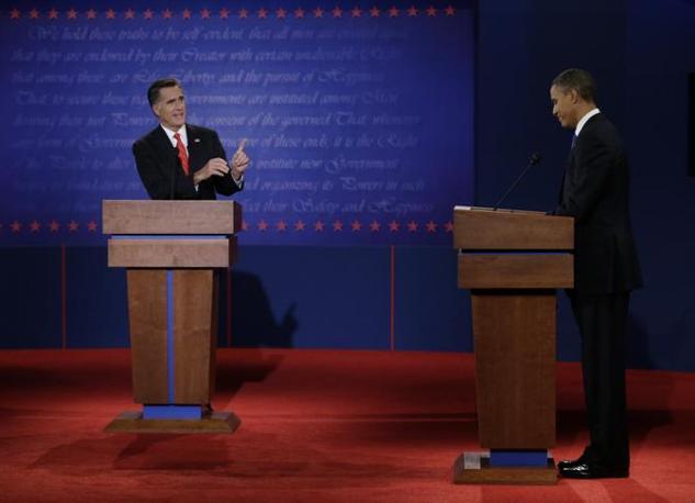 Romney alla fine è parso più convincente alla prova televisiva. Obama ha giocato sulla difensiva, ma il repubblicano ha dominato il dibattito anche secondo alcuni commentatori democratici (Ap)