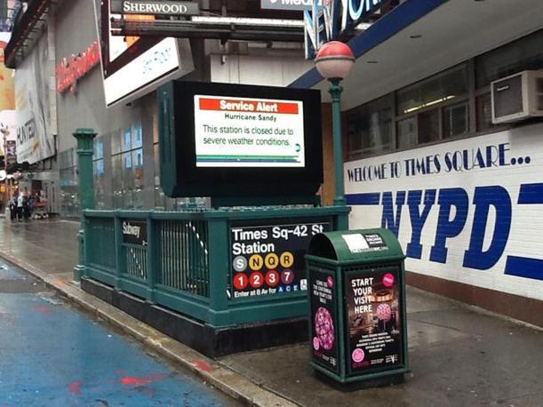 La stazione chiusa della metropolitana a Times Square (Valeria Robecco /Ansa)
