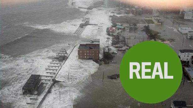 L'uragano Sandy arriva su Atlantic City. Scatto impressionante dall'alto e reale