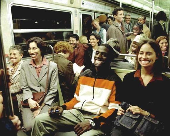 Passeggeri della metropolitana di Denver dopo che � stato approvato il referendum sulla marijuana