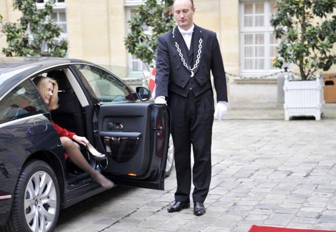 Piccolo infortunio per la premier danese Helle Thorning-Schmidt (Afp/Dedouach)