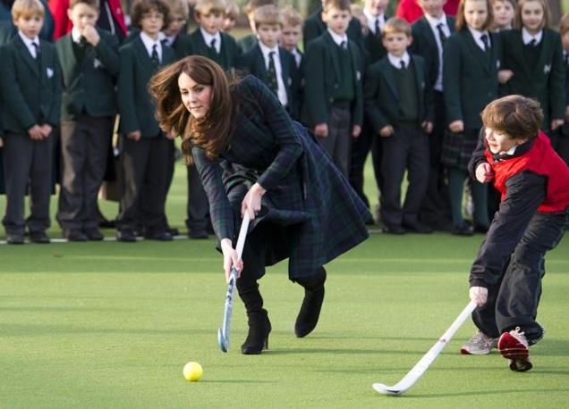 Kate Middleton non ha avuto difficolt� visto che da piccola era uno dei suoi sport preferiti (Ap/Edwards)