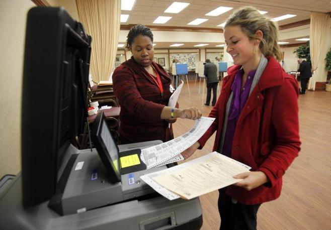 Ultime votazioni a Cleveland, in Ohio (Epa/Maxwell)