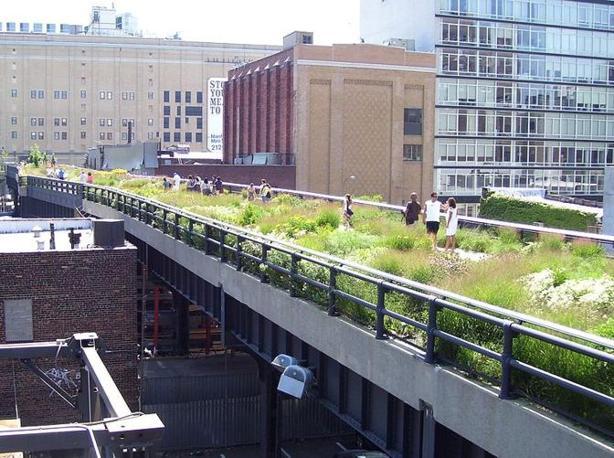 La West Side Line di Manhattan, un tratto di metropolitana abbandonata trasformato in un parco sopraelevato che è «un?emblema della creatività americana»