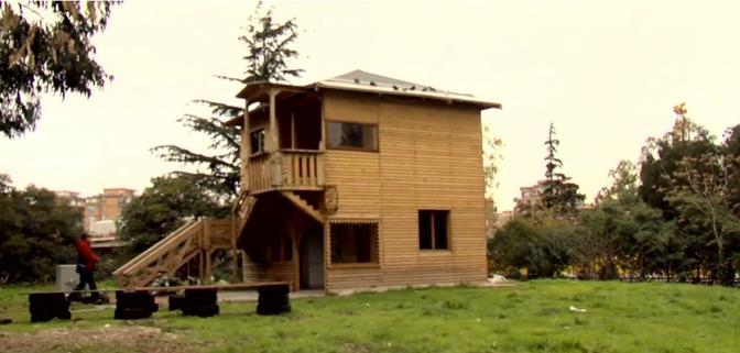 La Savorengo Ker, «la casa di tutti», nel campo Rom del Casilino