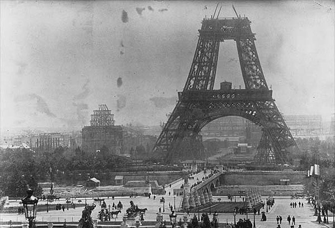  La costruzione della Torre Eiffel, nel 1878