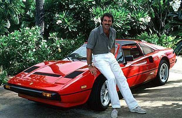 Tom Selleck in Magnum, P.I. con la Ferrari 308 GTS