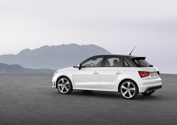 L'Audi A1 Sporback è la versione a cinque porte della A1: non è cresciuta in lunghezza per restare sotto i quattro metri. I posti sono quattro, il quinto può essere richiesto come optional. In vendita a febbraio