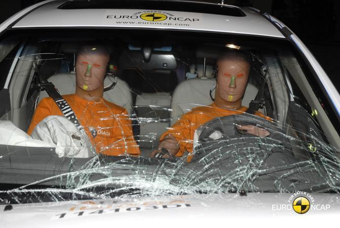 Esito positivo (4 stelle) anche per il crash test della Geely Emgrand C7. La Geely è la casa che ha comprato la Volvo