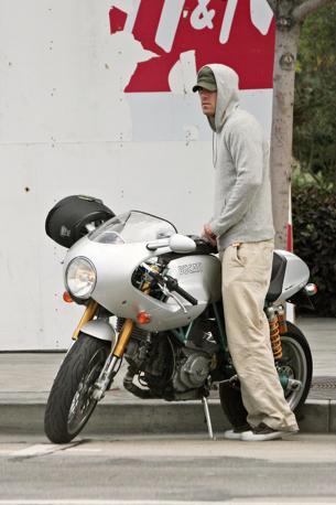 Ryan Reynolds Ducati on Ryan Reynolds  Olycom
