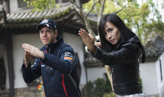 Vettel insieme a Celina Jade. (Infiniti)