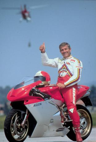 Agostini su di una Mv Agusta. (Ansa)