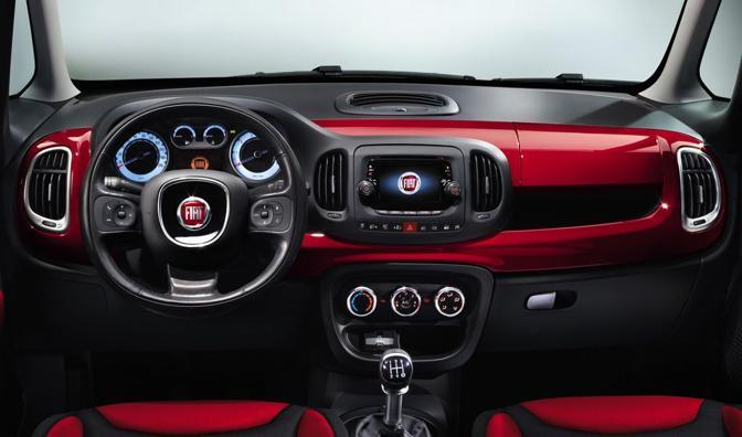 Nuova Fiat 500L  (Fiat)