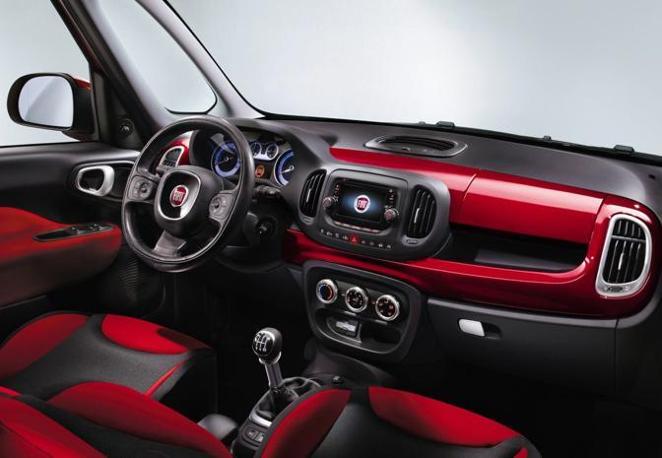 Nuova Fiat 500L  (Fiat)