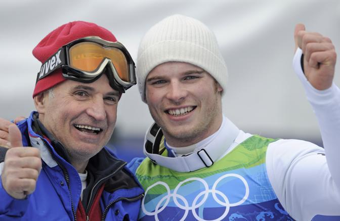 Giuliano Razzoli con il papà Antonio (Ap)