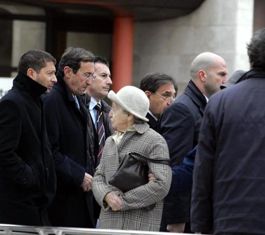 Il presidente della Camera Gianfranco Fini al San Raffaele (Ansa)