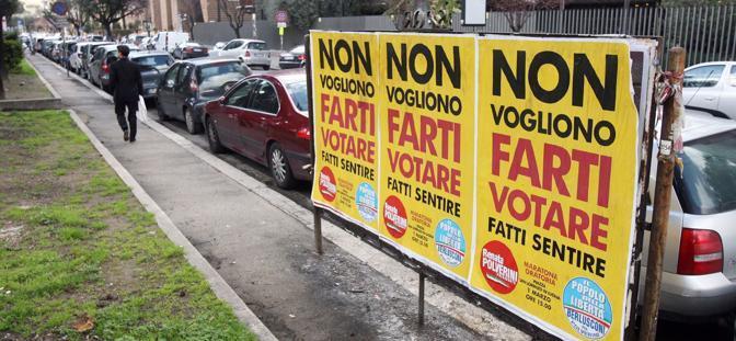 Pdl, caos liste nel Lazio: questi i manifesti elettorali apparsi negli ultimi giorni in molti quartieri della Capitale (Benvegnù-Guaitoli)