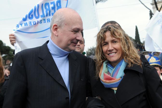 Il coordinatore Bondi, insieme alla compagna-deputata Manuela Repetti ( Blow Up)