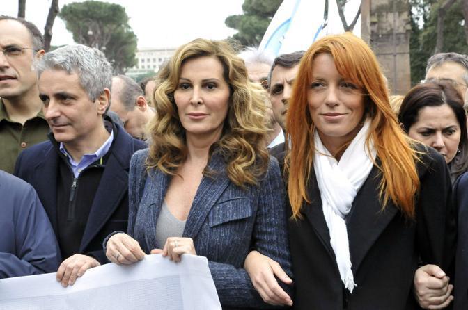 Gaetano Quagliariello, Daniela Santanchè e Michela Vittoria Brambilla alla manifestazioned el centrodestra nella Capitale (Agf)