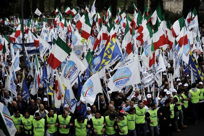 La manifestazione del centrodestra a Roma (Afp)