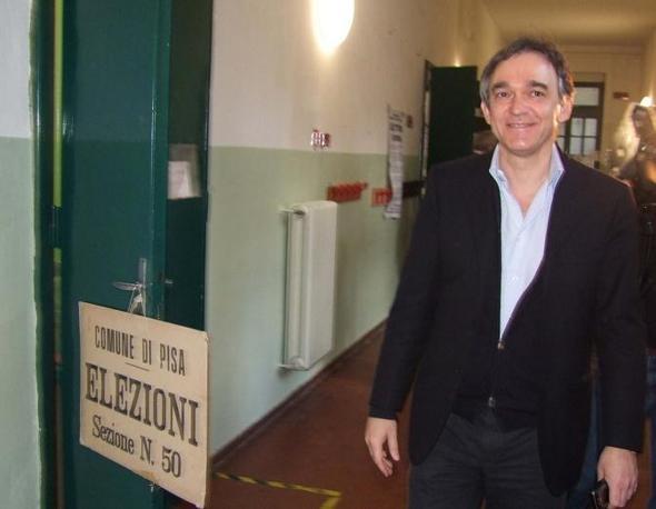 Il candidato alla presidenza della regione Toscana per il centro sinistra Enrico Rossi (Olycom)