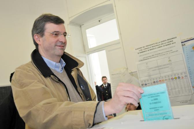 Liguria, il voto del presidente uscente Claudio Burlando (Milestone Media)