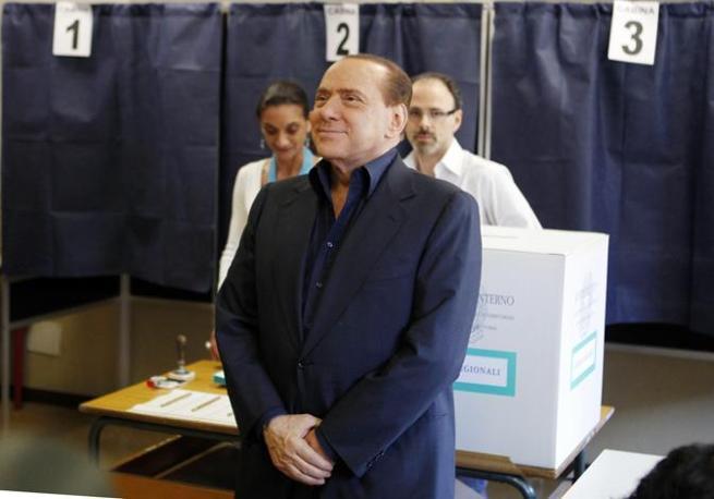 Il premier Silvio Berlusconi (Ap)