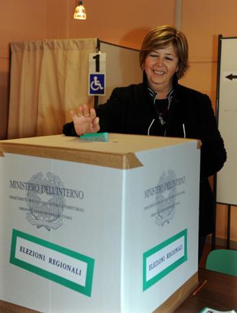 La  presidente della Regione Piemonte candidata alla presidenza regionale Mercedes Bresso (Ansa)