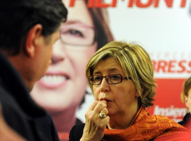 La delusione sui volti di Mercedes Bresso e Emma Bonino. Le due candidate del centrosinistra sono state sconfitte rispettivamente in Piemonte e nel Lazio. (Ansa)
