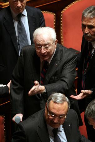 Roma 24 gennaio 2008- Francesco Cossiga in Senato, durante il voto di fiducia al governo Prodi (Emblema)