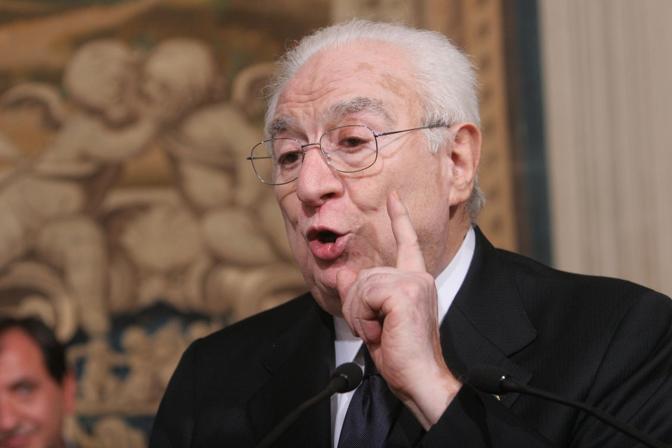 Roma, 16 maggio 2008 - Francesco Cossiga durante le consultazioni per il mandato al nuovo governo (Emblema)