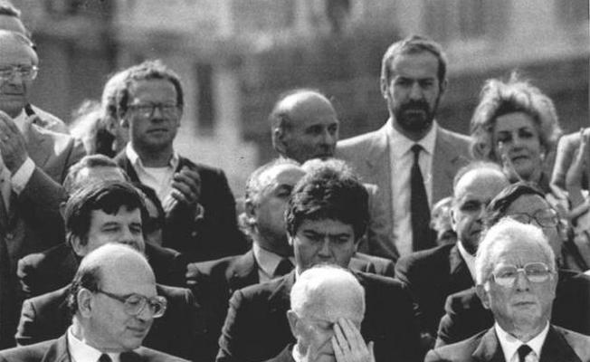 Roma 13 giugno 1984 - Francesco Cossiga, presidente del Senato, ai funerali di Enrico Berlinguer (Ansa)