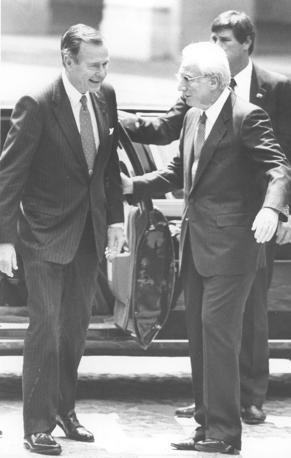 Roma 1989 - Francesco Cossiga riceve il presidente americano George Bush (Duefoto)