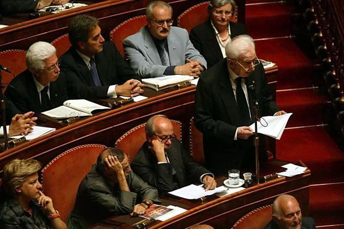 Roma, 19 giugno 2002 - Cossiga in Senato durante le sue dimissioni (La Presse)