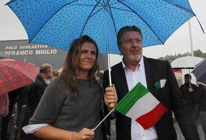 Il capo della segreteria politica di Pierluigi Bersani Filippo Penati durante la manifestazione (Ansa)